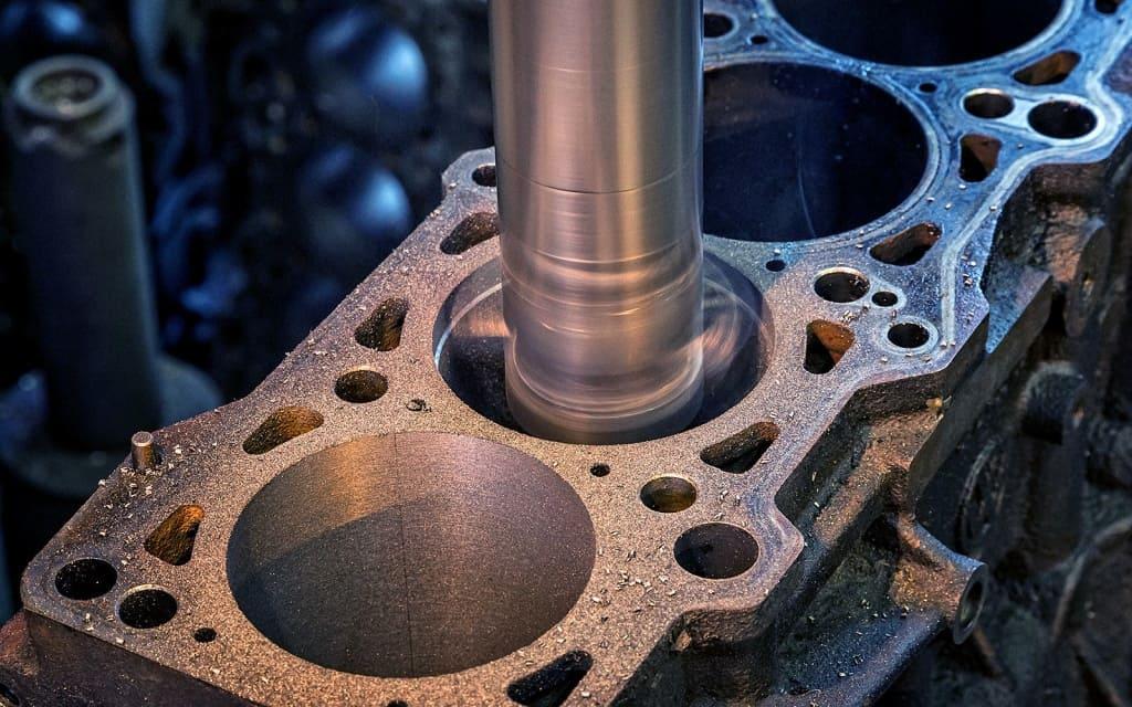 Ремонт блока цилиндров двигателя (ГБЦ) Мини в Тюмени